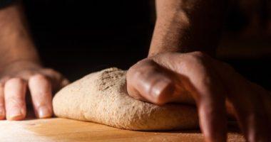 パン生地にパンチを行う理由とは【フルーツ酵母・自家製天然酵母・パン教室|奈良・大阪・東京・名古屋・福岡】